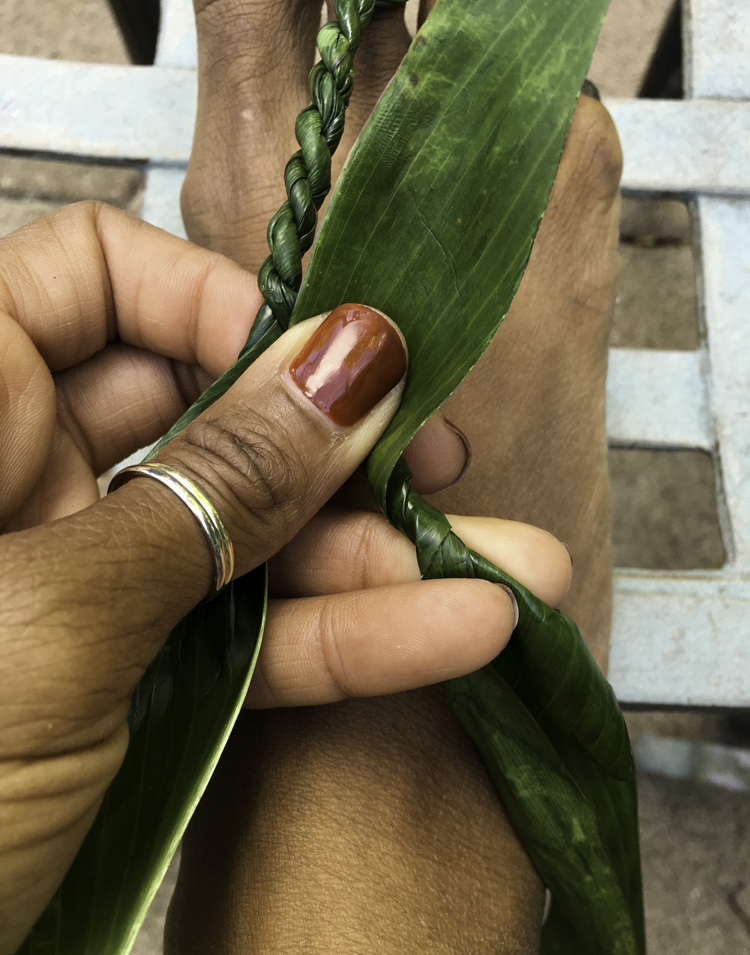 tea leaf lei making